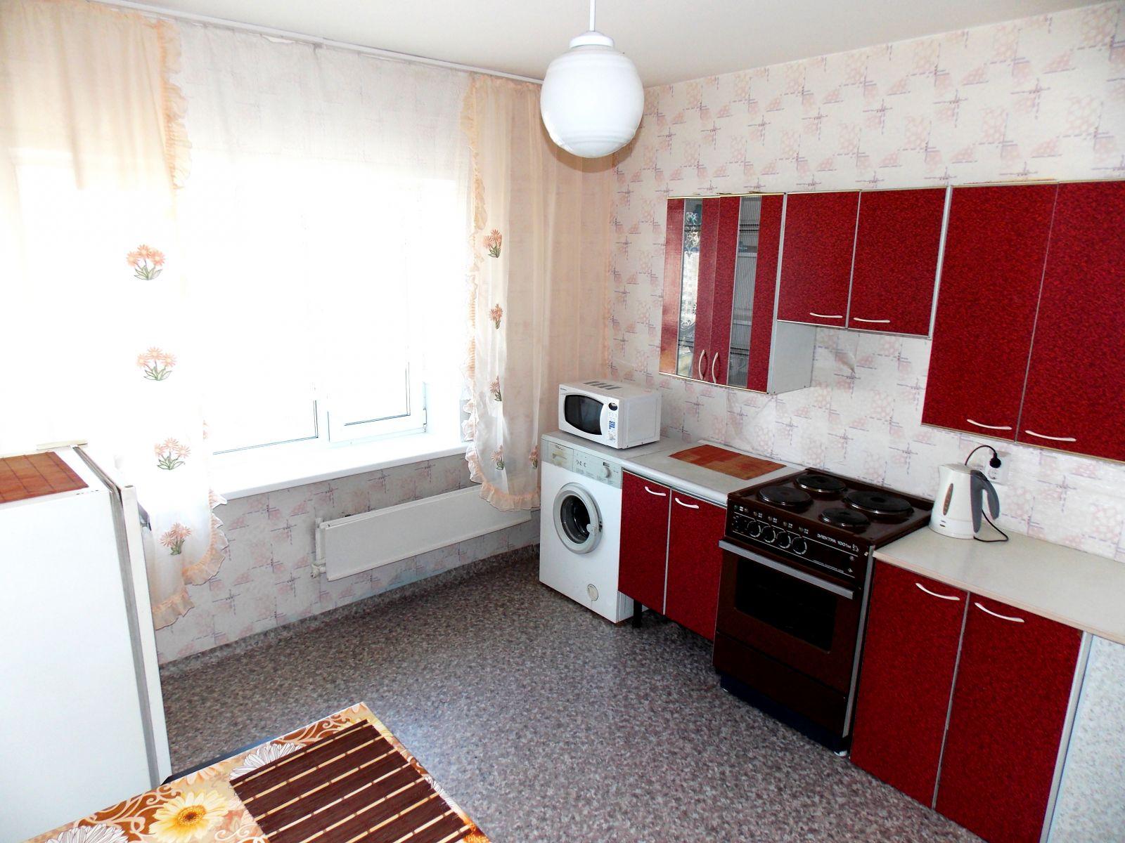 новая квартира посуточно по ул. Светлогорская 11а