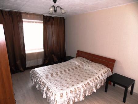 новая квартира посуточно на светлогорской 17